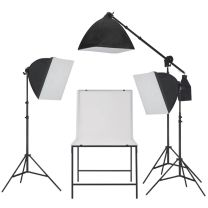 Fotostudioset met softbox lampen en opnametafel